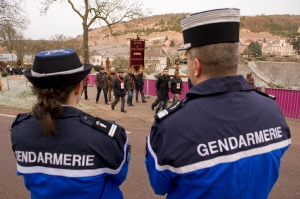 Gendarmes protect St Vincent from the N 6