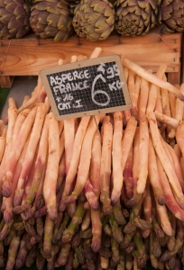 Asparagus is in season but, apparently eaten without wine..