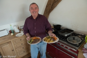 1 hour 50 minutes to swop stories with Greg Love, enjoy his cooking an see what makes him tick !