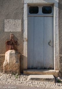 St Romain is one of those old villages where you have to keep your eyes open for the interesting and unexpected...