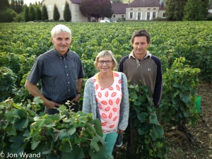 A social call on Pierre Cornu at Ladoix, then cousin Manu and wife Edith arrived. Still smiling after bevy losses to the frost. Not much Aligoté left where they are standing for example.